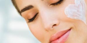 Fast growing online cosmetics entrepreneur chooses Walker.