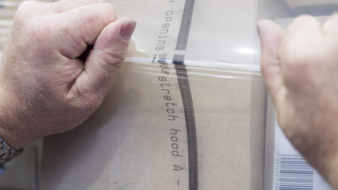BEUMER has developed a film that allows for quick and easy opening without the use of tools.